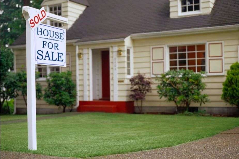 Buying or selling property? How to know when it's the right time